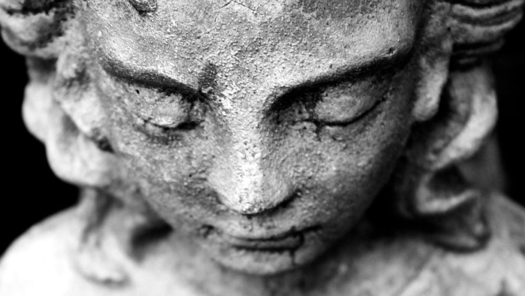 pray_statue_figure_woman_female_face_faith_prayer-667644.jpg!d