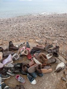 Lost+shoes+collected+on+the+beach+close+to+the+reception-eucc-00006529_n