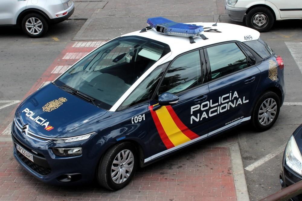 Policia_Nacional_Citroën_C4_(27322727945)